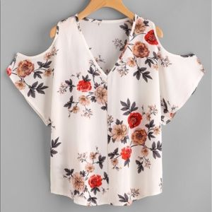 Calico Print White Floral Top 💋