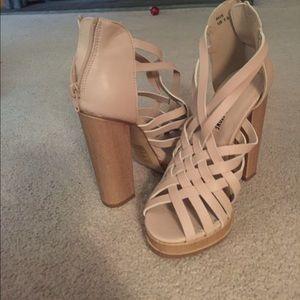 7.5 Leila Stone nude heels. Never worn