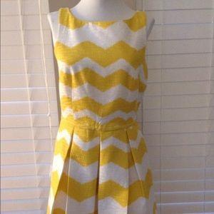 Taylor Dresses & Skirts - Just Taylor Yellow Chevron Dress 🌼