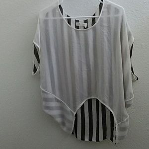 Loose black and white Blouse