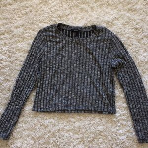 NWOT! Gray F21 Long Sleeve Crop Top, size M