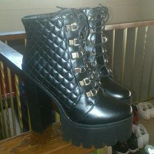 Bumper Shoes - Black Quilted Lace-Up Platform Boots Size 10