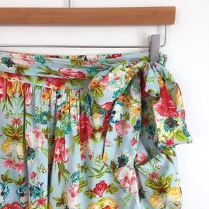 Loveappella Pants - Loveappella Belted Floral Shorts NWT