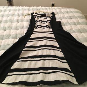 Elle Dresses & Skirts - Elle Black / White a line  sleeveless dress