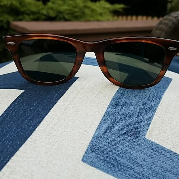 1cd3799a230 Vintage Ray-Ban Wayfarer 5022 Tortoise Sunglasses.  M 5949c70bc6c795534604f871