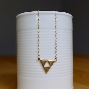 Jewelry - 🎉HP!🎉 Gold Geometric Necklace