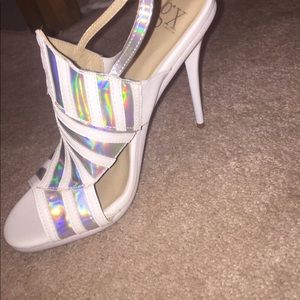 GX by Gwen Stefani Shoes - NWOT 7.5 gx by Gwen Stefani white and silver heels