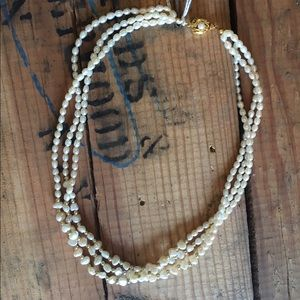 Jewelry - Vintage Pearl Necklace