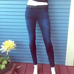 ZARA DENIM- Moro jeans with zipper detail size 4