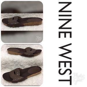 🌸 LIKE NEW ***NINE WEST*** Sandals Size 8.5!