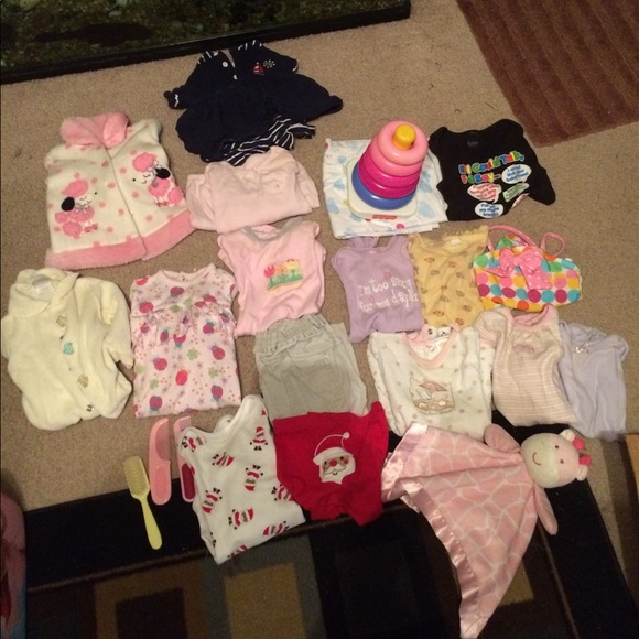 off Other 6 to 9 month baby girl clothes from