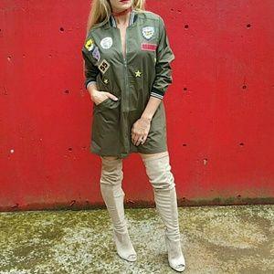 Dresses & Skirts - 🌟NEW Sassy mini dress/jacket