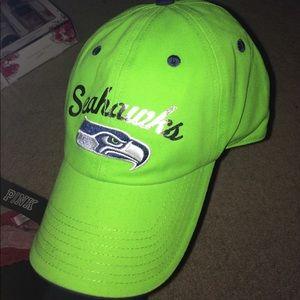 NWOT Woman's Seahawks baseball cap!