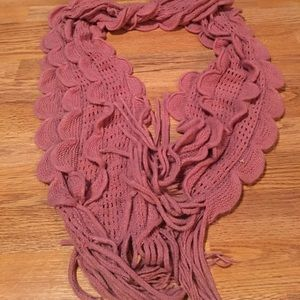 Pink Ruffled scarf with fringe