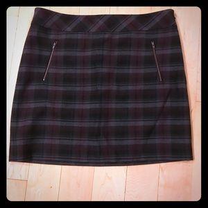 Gray purple plaid Loft skirt size 14