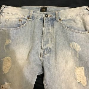10 Deep Other - 10 deep destroyed jeans in light blue faded wash