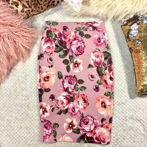 Myths Dresses & Skirts - Myth Mauve Pink Floral Pencil Skirt with Slit