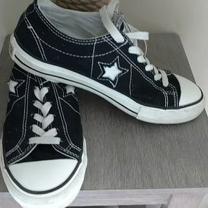 Converse Shoes - 💝Converse sneakers💝