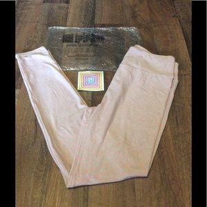 LuLaRoe Pants - New LuLaRoe Buttery Soft Leggings
