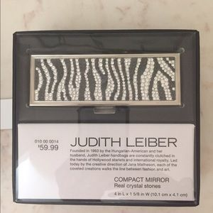 Judith Leiber Other - 🆕Judith leiber compact mirror real crystals NIB