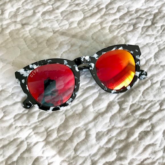 6e1690899163 Diff Eyewear Accessories - DIME II - BLACK / WHITE - RED MIRROR LENS - NWOT