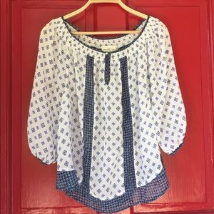 8a2c005d9b5d ... ✨Abercrombie   Fitch- White and Navy Peasant Top ...