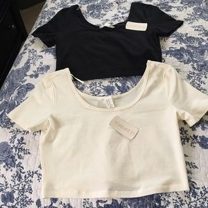 2️⃣ NWT Forever 21 Crop Top Bundle