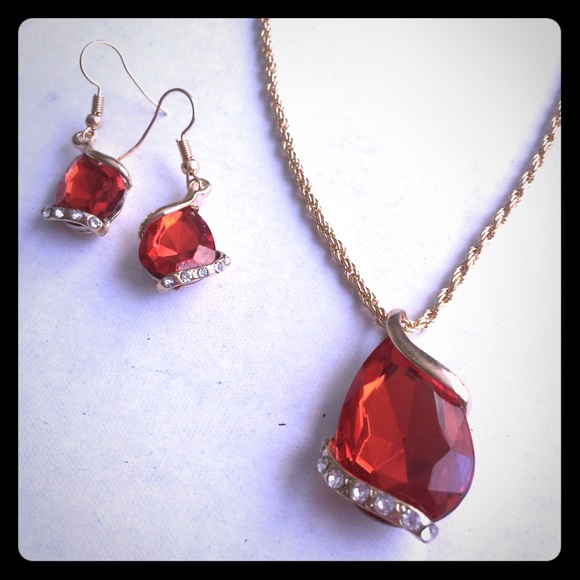 Jewelry - 2 pc Set Red Crystal Water Drop Necklace Earrings