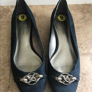 Liz Claiborne Shoes - Navy flats