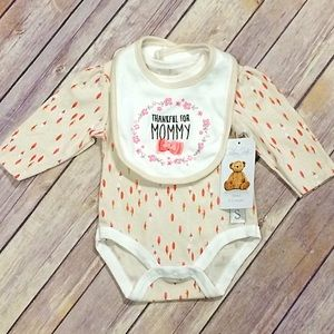 Rene Rofe Other - Rene Roff Thankful For Mommy Embroidered Bibb Set