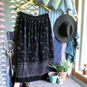 Vintage Dresses & Skirts - Vintage velvet tapestry midi skirt