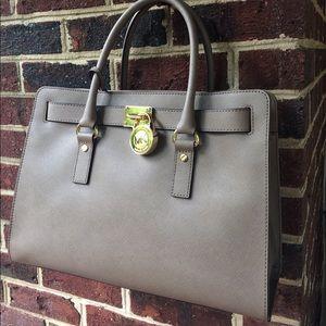 Michael Kors Handbags - {Last ⬇️ 1 🕰 Only} Michael Kors Leather Satchel