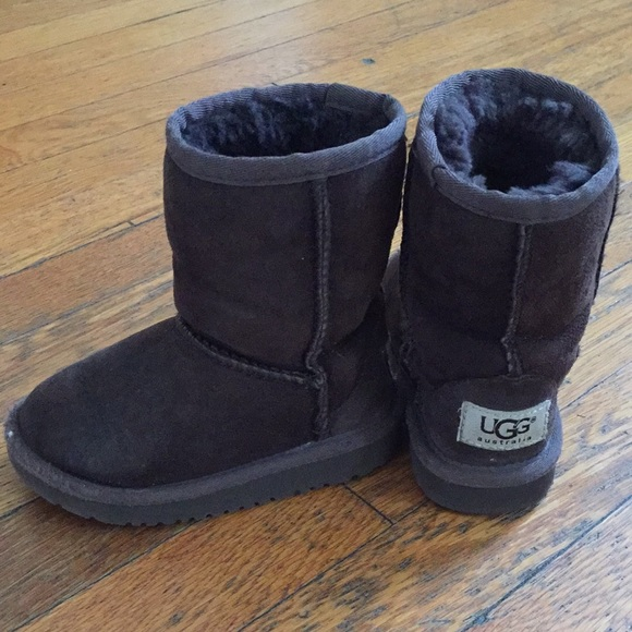 d31b804d44a Chocolate Toddler Uggs size 8