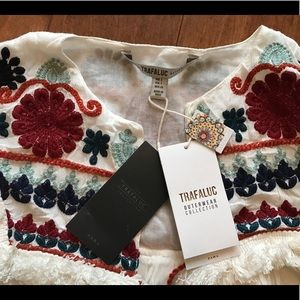 Zara Jackets & Coats - Zara Trafaluc Boho Chic Kimono embroidered jacket