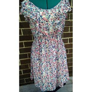 Lauren conrad Dresses & Skirts - Floral Summer Dress sz 6 Small
