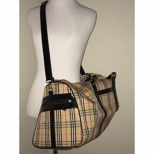 Burberry Handbags - Burberry duffle bag