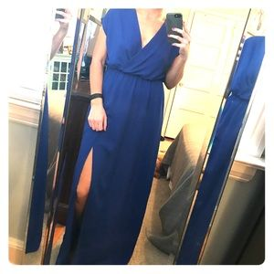 Alya Dresses & Skirts - Beautiful blue maxi dress with front slit