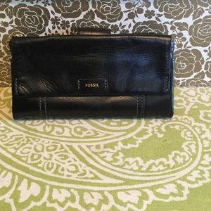 Fossil Handbags - 🌟NEW🌟 Fossil Ellis Clutch Wallet