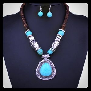 2 pc Turquoise Necklace & Earrings Set