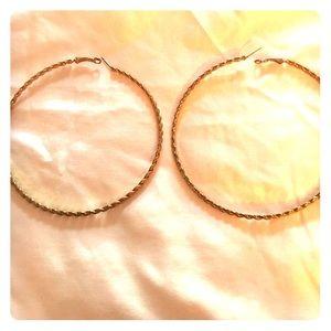 Jewelry - ❗️LAST CHANCE ❗️Extra L Gold tone hoop earrings