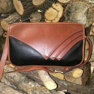 BAR Harbor Leather Shoulder Bag