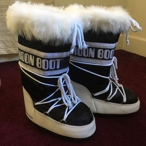 Moon Boot Shoes - NWOT FURRY MOON BOOTS