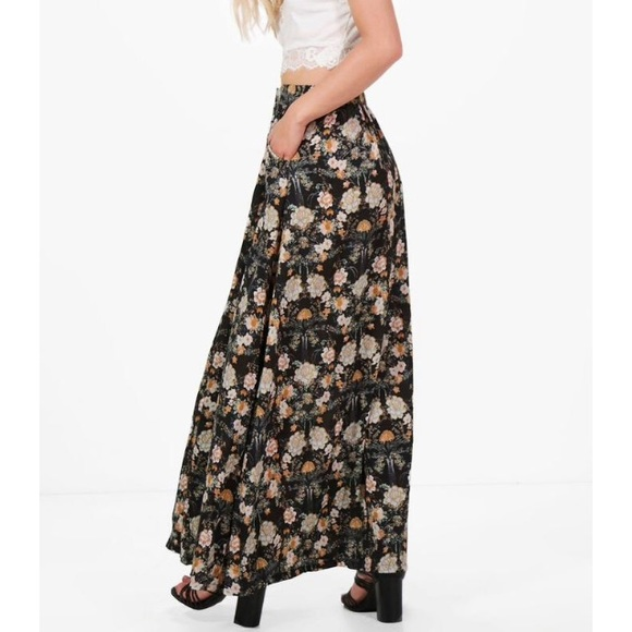 zara floral maxi boho skirt with side pockets from