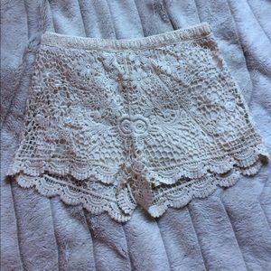 La Hearts Pants - Crochet shorts