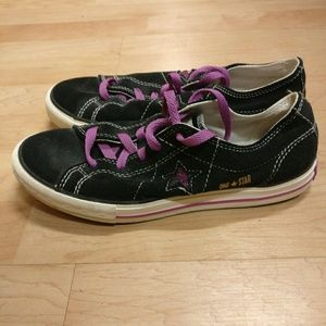 Converse One Star Purple & Black Sneakers CUTE!
