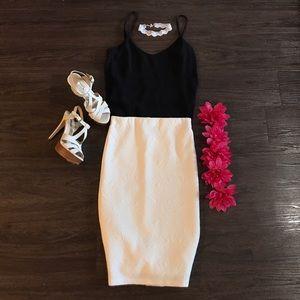 White patterned Pencil Skirt