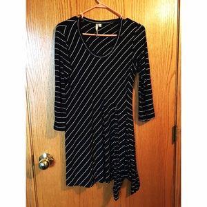 comfy usa Dresses & Skirts - Comfy USA - Black & White Striped Dress