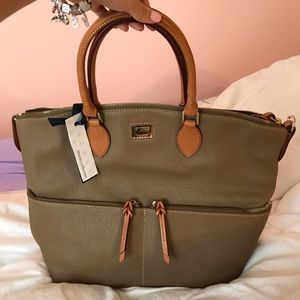 Dooney & Bourke Handbags - 🆕 Dooney & Bourke Large Pocket Satchel (Taupe) 🆕