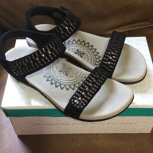 Aetrex Shoes - Aetrex Sandals (Euro size 40) (NIB)