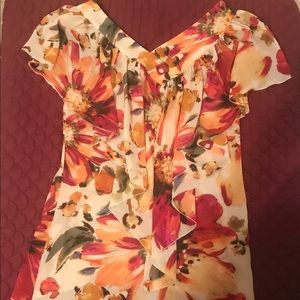 Floral blouse with ruffle sz M 